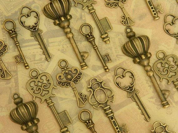 24  Alice in Wonderland skeleton keys steampunk key vintage old key set wedding favor jewelry supply wholesale bronze key