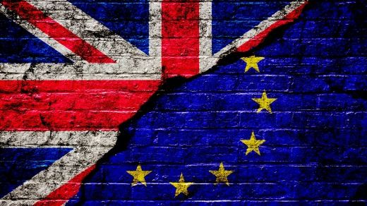 """#EURefResults Britain leaving EU: What could #Brexit mean for Travellers  by @nikkiekstein @travellerau ✈ """"Getting in and out of the UK could be an """"absolute horror show"""" for travellers."""" :("""