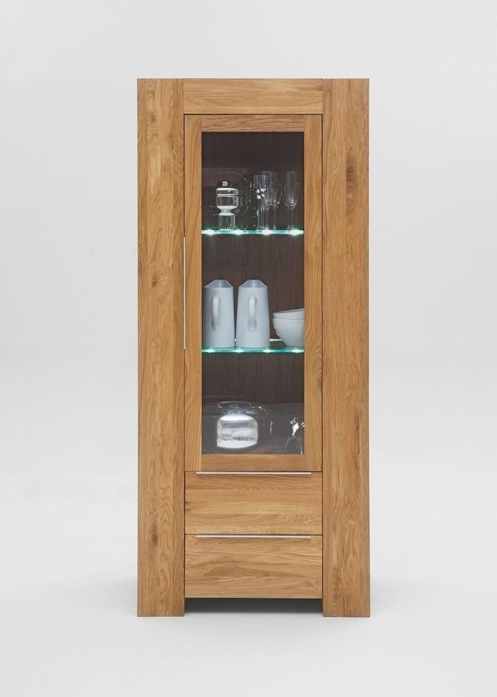 Vitrine Balder Holz massiv Wildeiche 5483. Buy now at https://www.moebel-wohnbar.de/vitrine-balder-glasvitrine-sammlervitrine-massivholz-wildeiche-5483.html