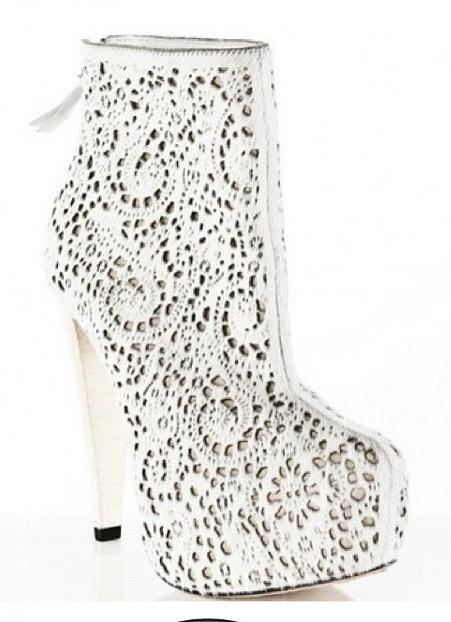 Alice and Olivia. Stunning shoe.