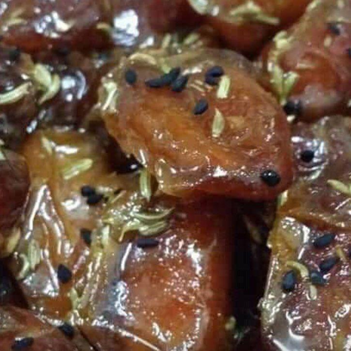Faiga Salim Alkhlagi On Instagram وصفة توزن بالذهب ٧ حبات تمر على الريق محشوه بــ حبة البركة حب الرشاد الغيرمطحون القليل من الكرك Food Beef Health