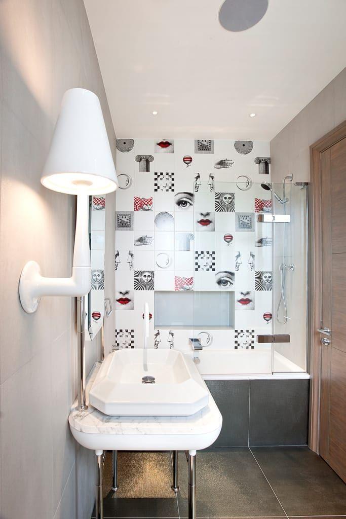 Descubra fotos de Casas de banho modernas por Roselind Wilson Design. Encontre em fotos as melhores ideias e inspirações para criar a sua casa perfeita.