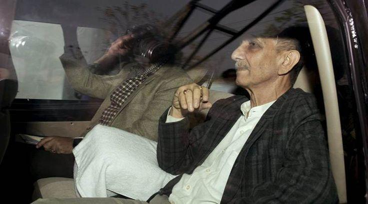 Jammu-Kashmir interlocutor Dineshwar Sharma meets Omar Abdullah - The Indian Express #757Live