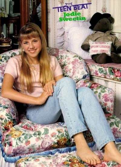 Am I the only one that loved Stephanie more when she was older? I mean, young Steph was awesome and adorable but I loved when she hit that tween mark.