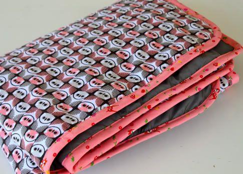 25 Free Baby Blanket Tutorials {A Slideshow}