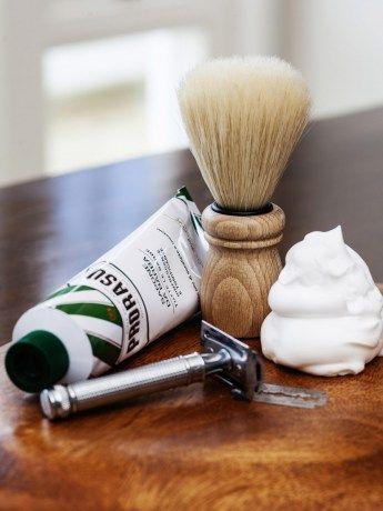 Clean Shave Survivor Kit - https://www.rubyroadafrica.com/shop-online/someone-special/shop-luxury-gifts-online-for-him/clean-shave-survivor-kit-gift-detail
