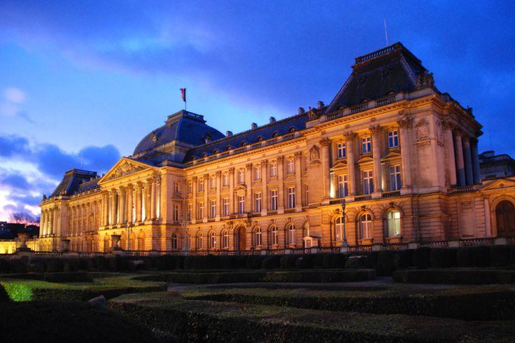 Palais_royal_de_Bruxelles_-_nocturne_25