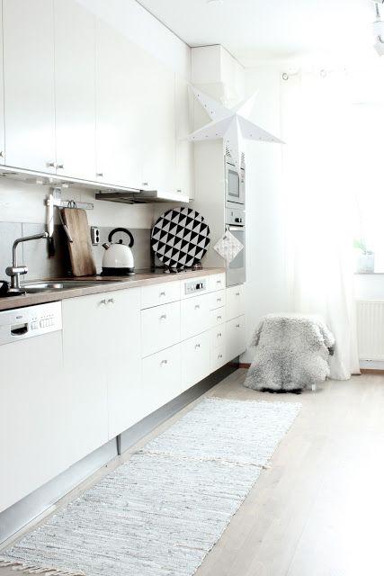 Weisses Wohnen, Klein Küche, Reizende Küchen, Skandinavische Küche,  Skandinavisches Design, Nordic Design, Küche, Küchen Cocinas, Weiße Küche