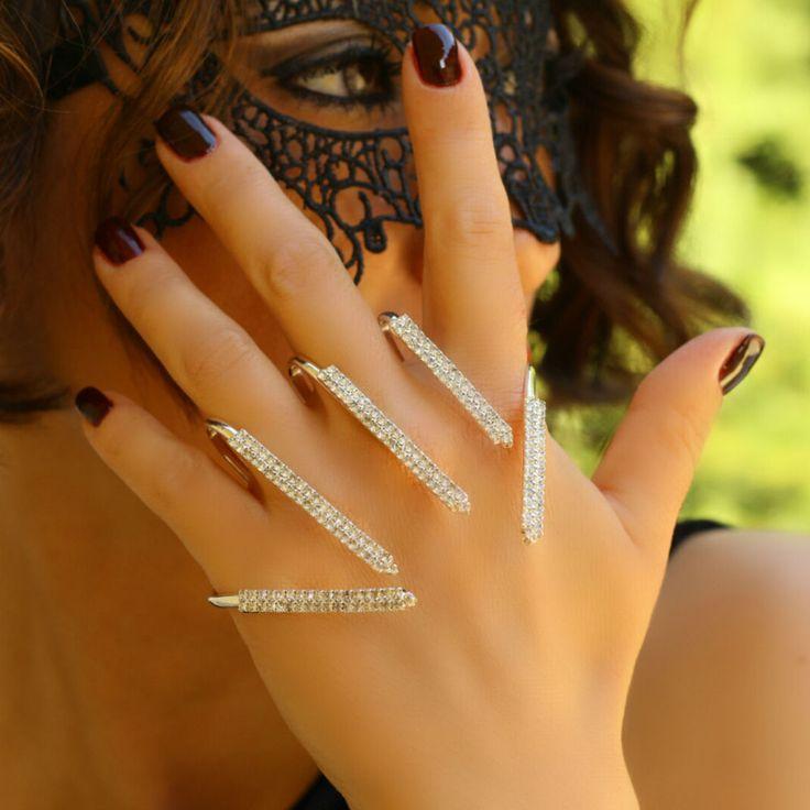 Statement Elegant Palm Hand Jewelry Slave Unique Women Cuff Rhinestone Bracelet #Takimania #Statement