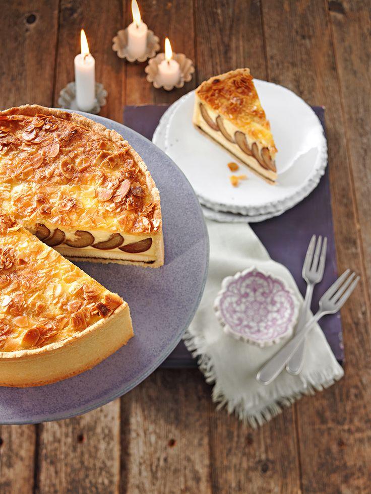 Zwetschenkuchen Royale - Ein leckerer Pflaumenkuchen mit einer Pudding-Quarkfüllung für Gäste