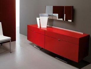 Mueble auxiliar en rojo para guardar tu vajilla u otros accesorios
