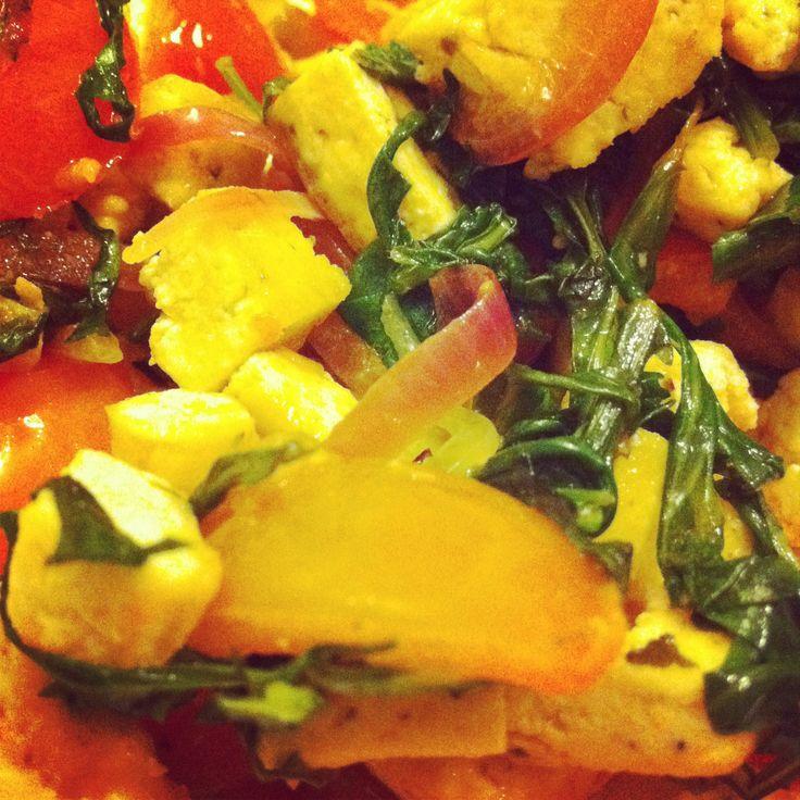 [RICETTA] Insalata piccante di tofu e cipolle  #ricettevegetariane #ricettevegane #tofu #vegan #veganfood #veganfoodshare #veganitalia #veganitaly #patatabollente