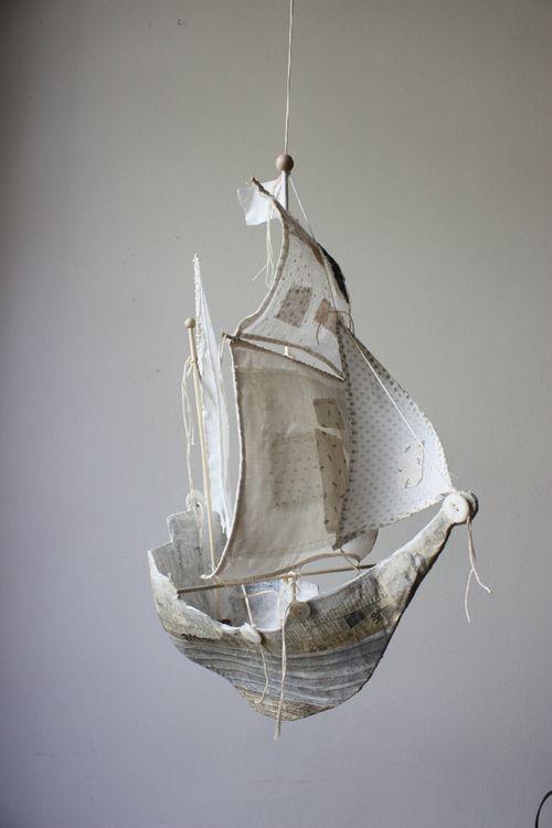 artpropelled:  Ann Wood ( http://handeyemagazine.com/content/bird-woman-brookyn )