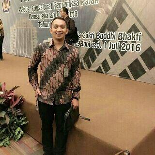 Hem Parang Sulur M-XL dengan furing  SMS /WA +6282281115732, BBM 5B54D9C1 & D0S03885, Path Aalina Batik, Line Aalina Batik, IG @aalinabatik, FB Aalina Batik.