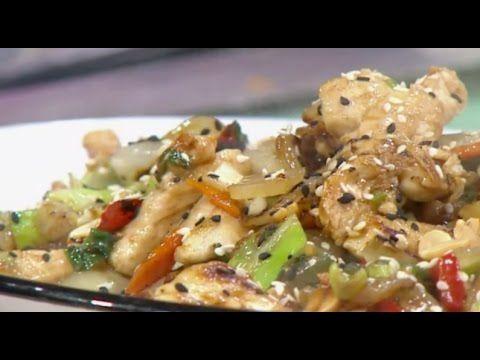 Salteado asiático de pollo vegetales y maní https://youtu.be/C12PfcWG4aA