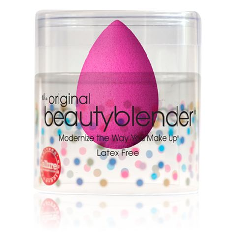 Now you can look like a movie star without all the pricey services of a major makeup artist. Winner of Allure's Best of Beauty Award in the Tools category, the Beautyblender is the ultimate makeup sponge applicator. http://www.zocko.com/z/JJsa1