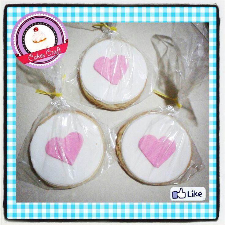 Galletas Tematicas - Flores !! / CID - 542 #barranquilla #cakestagram #uniautonoma #uniatlantico #uninorte #unilibre #unimetro  #hbd #cumpleaños #CakescraftKeados #cakeboss #cupcakewar #cakescraftbq #airsoft #halamadrid #jamesrodriguez10 #collagecostacaribe #enchufetv #garabato #enero #cookies #galletasdecoradas #galletas #iniciodesemana #lunes #carnaval2017 #monday #weekbegins #precarnaval
