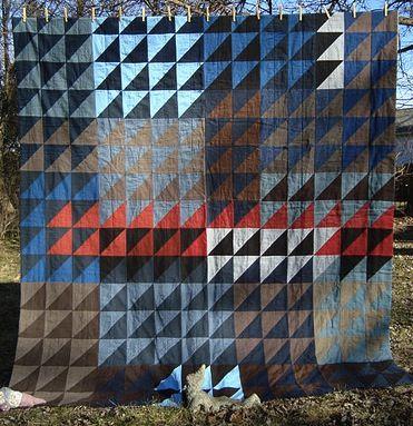 moderndayquilts:  Tents of Armageddon Quilt by Thriftomancer, an original design on her blog.