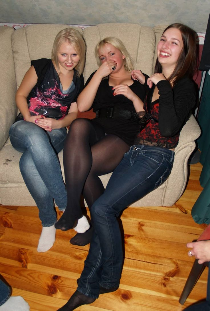 Pin On Candid Stocking Girls-8352