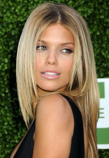 natural + nude lip AnnaLynne McCord