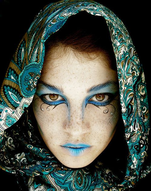 Some blue hues for your blue mood... and a twirly loopy eye linger diamond dazzle... slkdfjsldkfjsldkfj