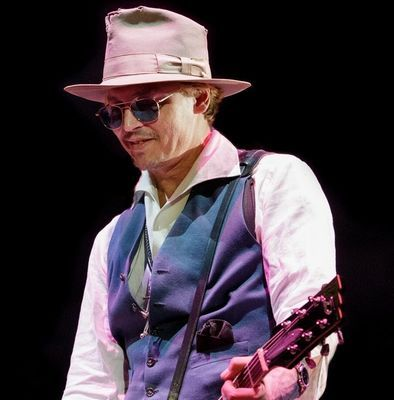 Johnny Depp In Austin Plays With Willie Nelson Johnny