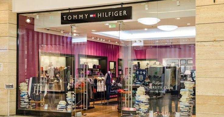 Lo stile Tommy Hilfiger secondo Alexa Chung