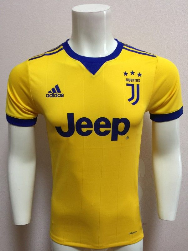 Juventus away shirt 2017-18  8f0891d2b