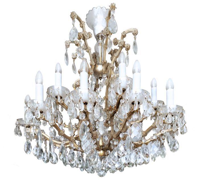 """Een imposante Boheemse Lustry kristallen en messing """"Maria Theresa"""" kroonluchter Tsjechië van recente makelij  Deze zeer imposante kroonluchter (102 x 112 cm en 19 lichtpunten) afkomstig van de beroemde Tsjechische kristalfabriek Lustry in Kamenicky Senov is gemaakt van autentiek handgeslepen Boheems kristal (garantiecertificaat aanwezig). Het ontwerp doet denken aan een koninklijke kroon en dateert uit 1743 toen de lamp ter gelegenheid van de kroning van Marie Theresa tot Koningin van…"""