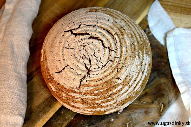 Tmavý bezlepkový chlieb