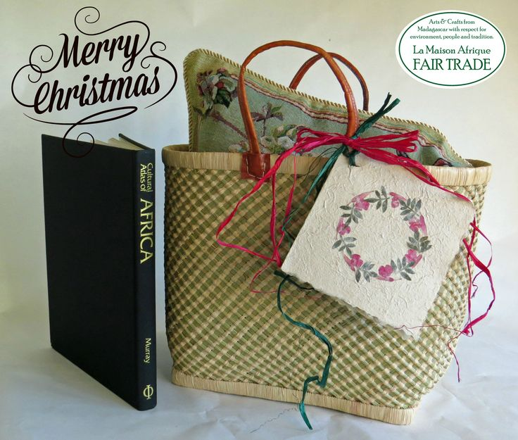 Christmas basket concept: Basket+pillow+book. Fair Trade basket with beautiful, tactil surface. Handcrafted of grass and sundried palmleaves. Handles of vegetable tanned leather. Fill it with a large pillow and a good book. Peaceful Christmas, Happy & Sustainable New Year! #christmas #fairtrade
