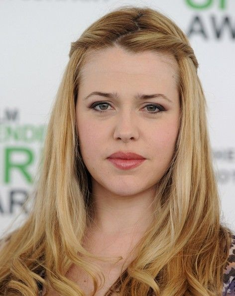 Majandra Delfino Hair - braids beginning; not enough style...