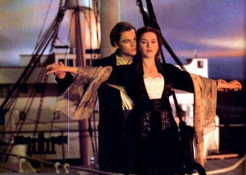 Titanic flying scene jack rose fandom other - Jack and rose pics ...