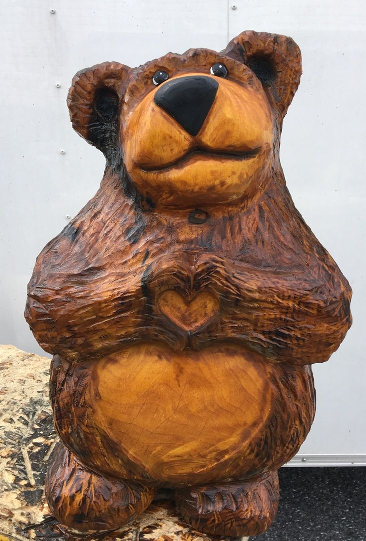 Unique chainsaw carvings ideas on pinterest