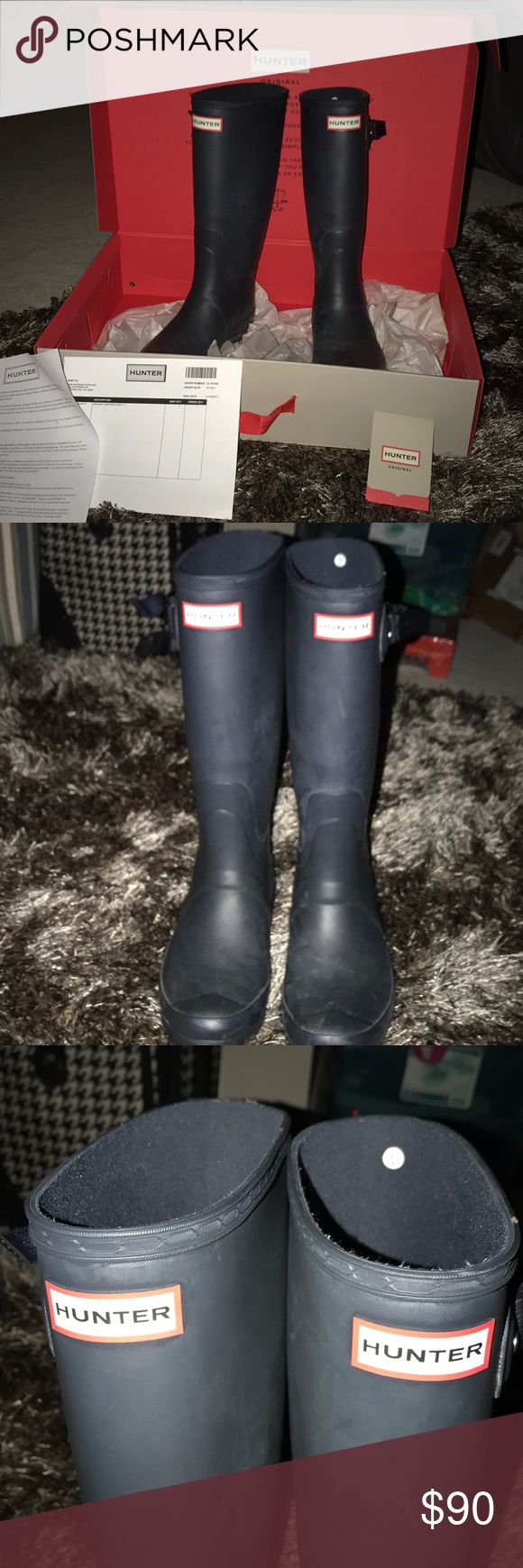 Navy Hunter wide calf boots! Purchased about 5 months ago!!! These are wide calf Huntress hunter boots!! Adjustable sides! Will clean bottoms and boots before shipment! Will come with original box etc! Color is coming up dark in pics but they are navy! Hunter Boots Other