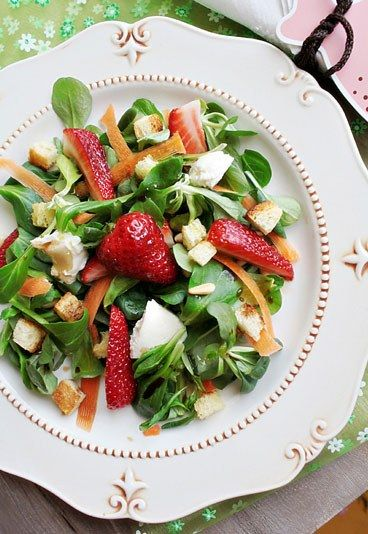 Insalata di valeriana e fragole | Ricette con verdure per l'estate, fresche, leggere e deliziose | #summer #recipe #light