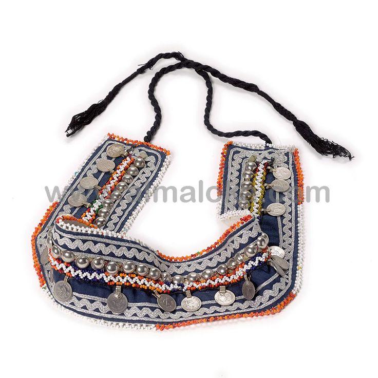 CINTURÓN KUCHI  Cinturón afgano étnico, en color azul marino, bordado a mano con monedas y cuentas de colores. http://www.almaloka.com/producto/cinturon-kuchi/