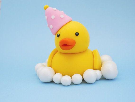 Duck fondant baby shower / birthday cake topper. Fondant duck cake topper. Rubber duck topper for baby shower / birthday