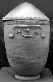 Urna funeraría del grupo etnico de los Tahamies.
