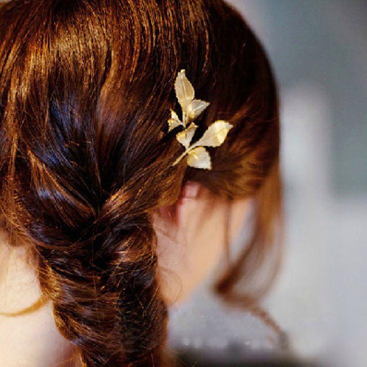 Goedkope Nieuwe vintage drie bladeren haarspelden de cabelo goud metalen haarspeldjes hairclip haaraccessoires voor vrouwen, koop Kwaliteit haar sieraden rechtstreeks van Leveranciers van China: Grootte: lengte: 5.5cmBlad: 3.4cm*3cmGewicht: 3.1g
