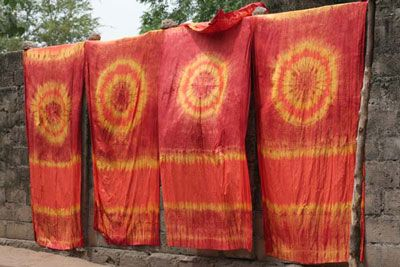 dyeing african fabric