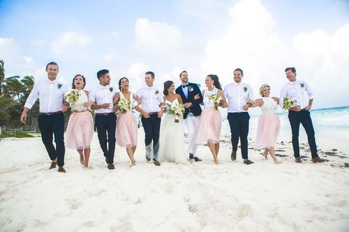 Must have photo with your bridesmaids and groomsmen at a beach wedding. (Wedding Photography by Fun In The Sun Weddings) http://www.funinthesunweddings.com/wedding-blog/akiin-beach-club-tulum-mexico-jot-amy