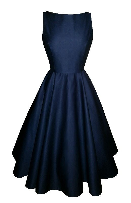 Full circle 'Josie' in navy blue cotton. 1950s vintage style dress. This. is. the epitome of class.