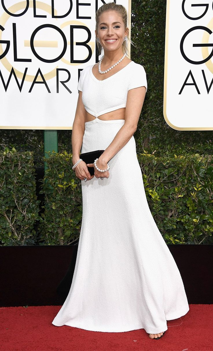 Сиенна Миллер в Michael Kors Collection, украшения Tiffany & Co. на церемонии вручения наград премии «Золотой глобус» в Лос-Анджелесе, 08 января 2017 г.