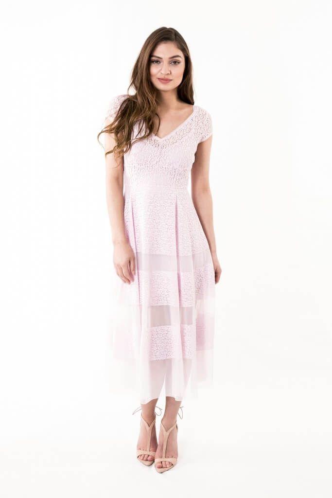Jurken Huren. Body Frock. Juneberry Pink. Long dress. Lace dress. Short sleeves. Summer dress. Pastel color. Black tie. Cocktail party. Tenue de Ville