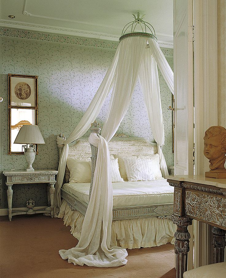 crown canopy bedroom traditional with cama con dosel canopy