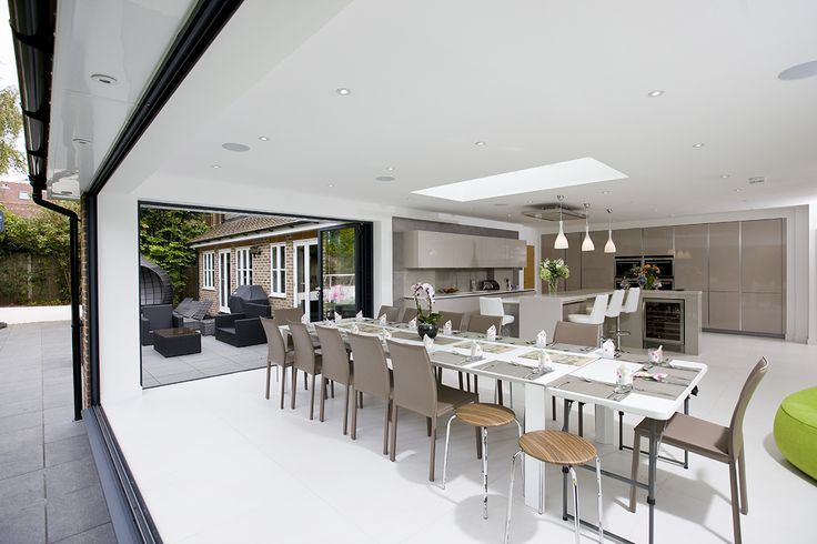 Add daylight & fresh air to your home extension with Sunsquare Aero flat roof windows. These high spec rooflights will add comfort & value to your home.