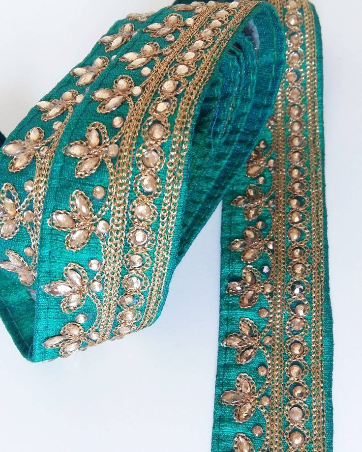 There is such a depth to this green and gold silk saree trim. I must admit it will be hard to part from it.  #silk #sari #sari #trim #sewing #sew #ethnictextiles #gipsystyle #bohemian #bohodecor #fashionstyle #instafashion #style #styleblogger #syning #coser #couture #haberdashery #indiantextiles #costumedesigner #kantband #handmade #crafts