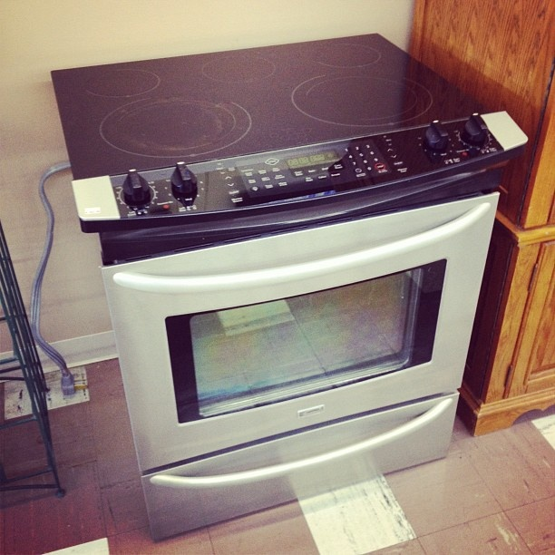 Kenmore Countertop Stove : LIKE NEW Stainless Steel Kenmore Elite Glass Top Stove With Convection