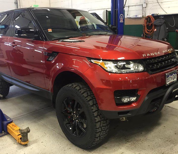 Modern RR Sport modified for additional off-road performance! This 2014 RR Sport…